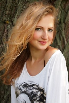 MYROSLAVA's profile picture